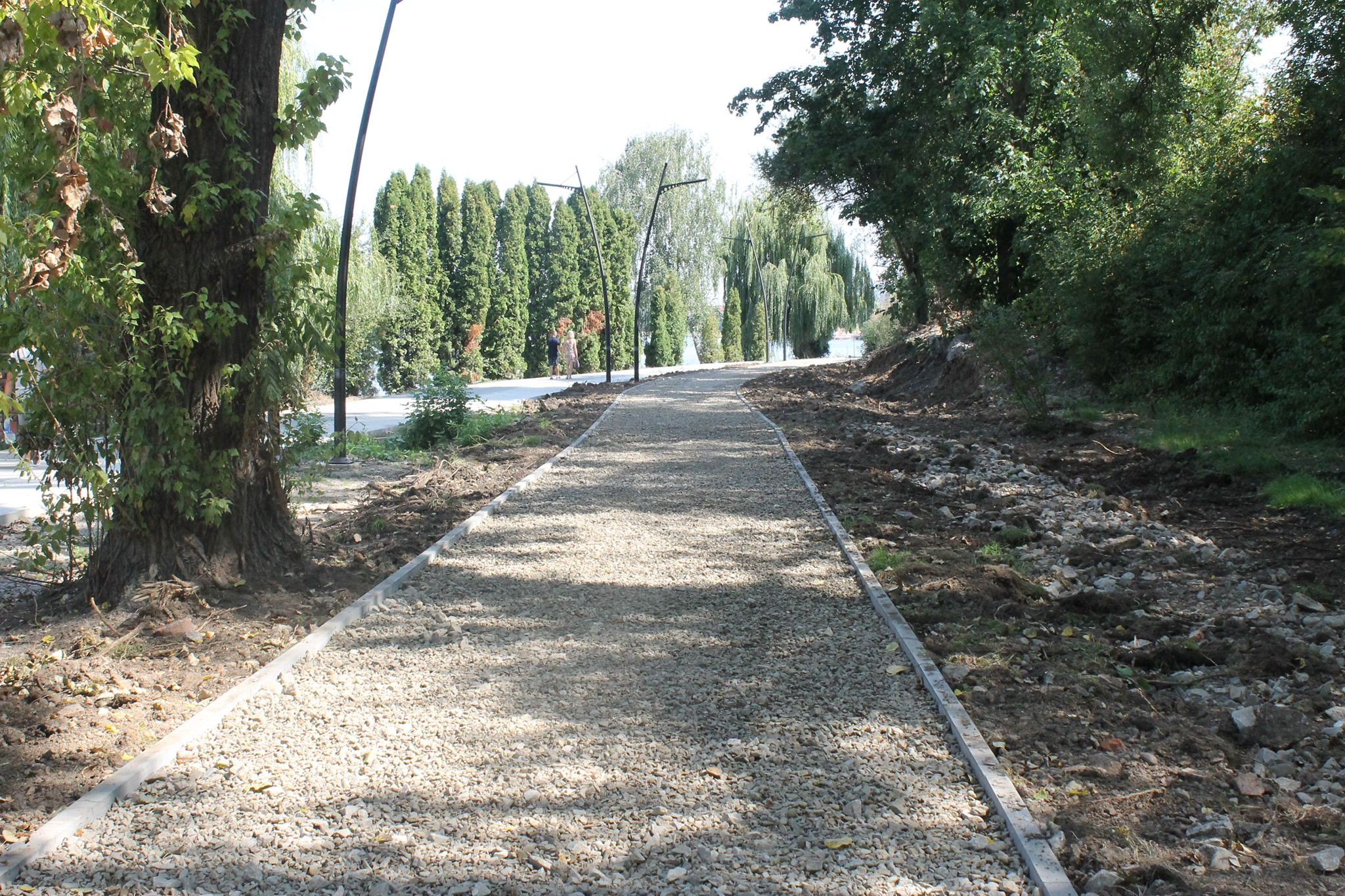 """PBS"" is paving a cycling lane near the Ivano-Frankivsk big lake"