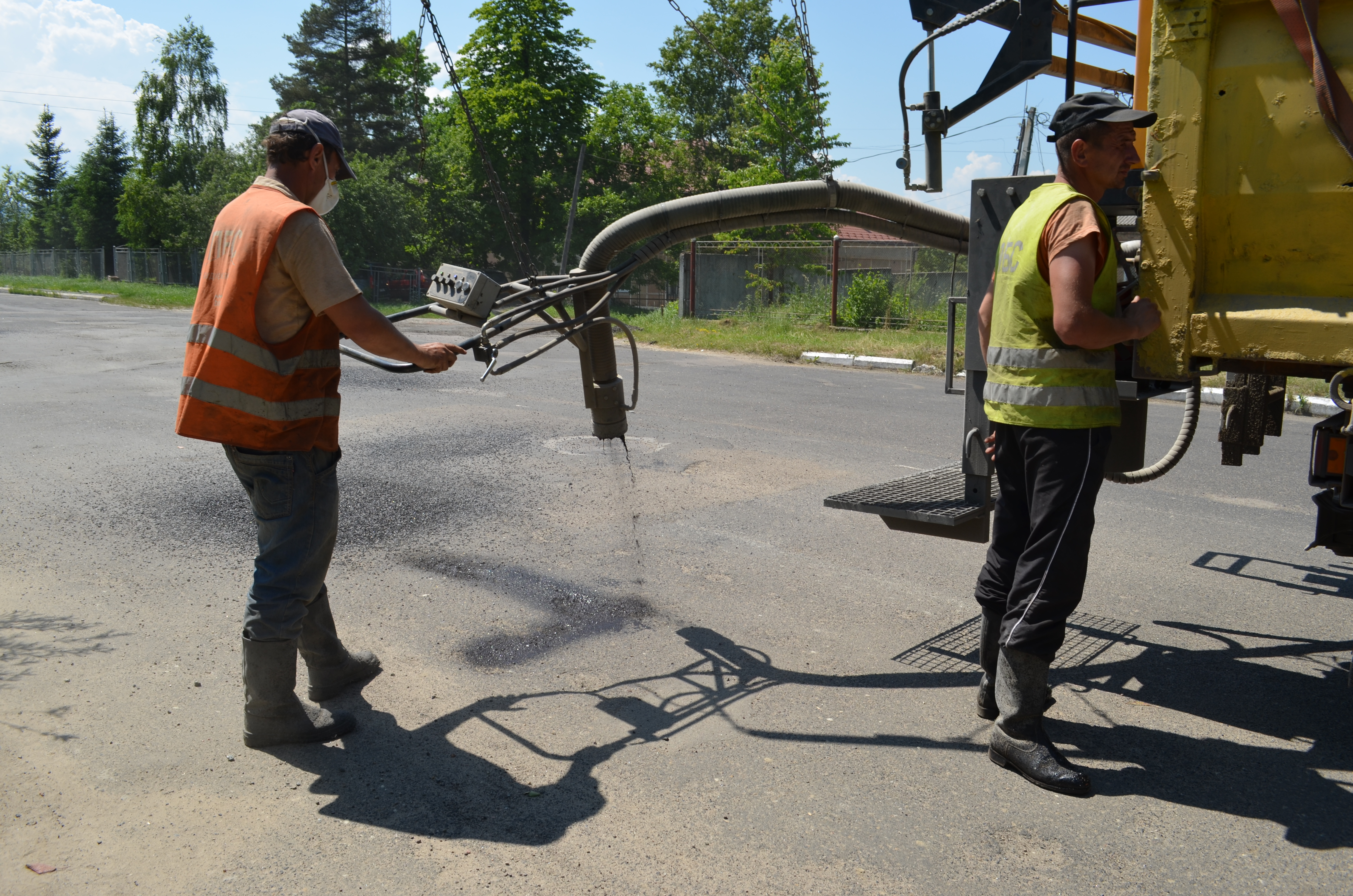 Repairing 9 major streets in Dolyna